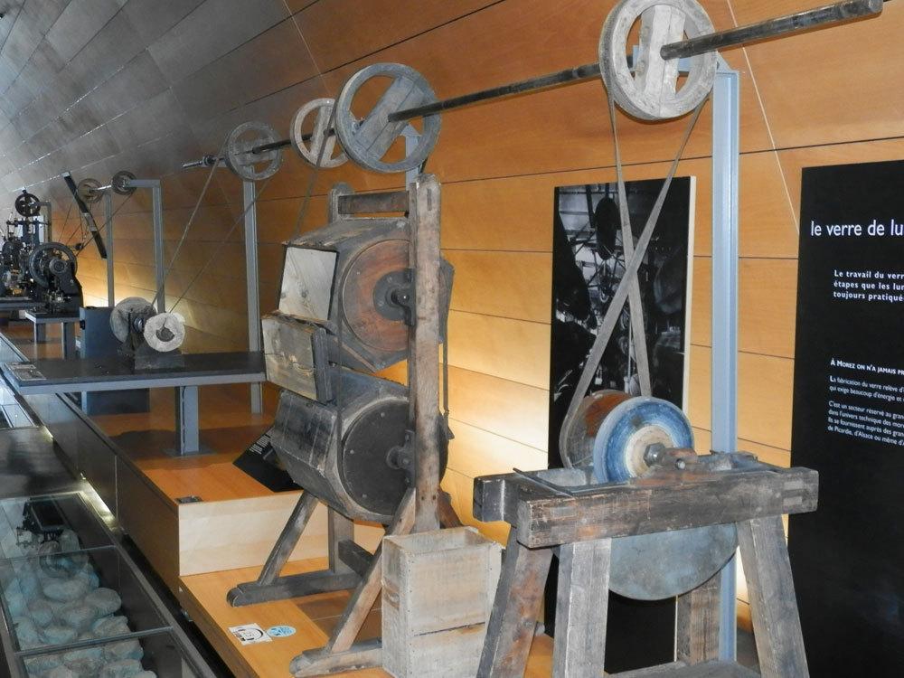 60d0881c16c721 Exposition «Rencontres de femmes» · Les tonneaux à polir les montures ...